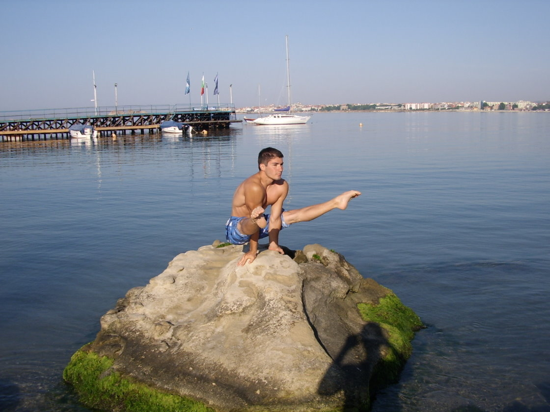 Gymnastics on the Sea